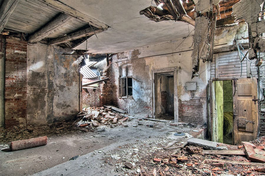 4 ok egy ház lebontására