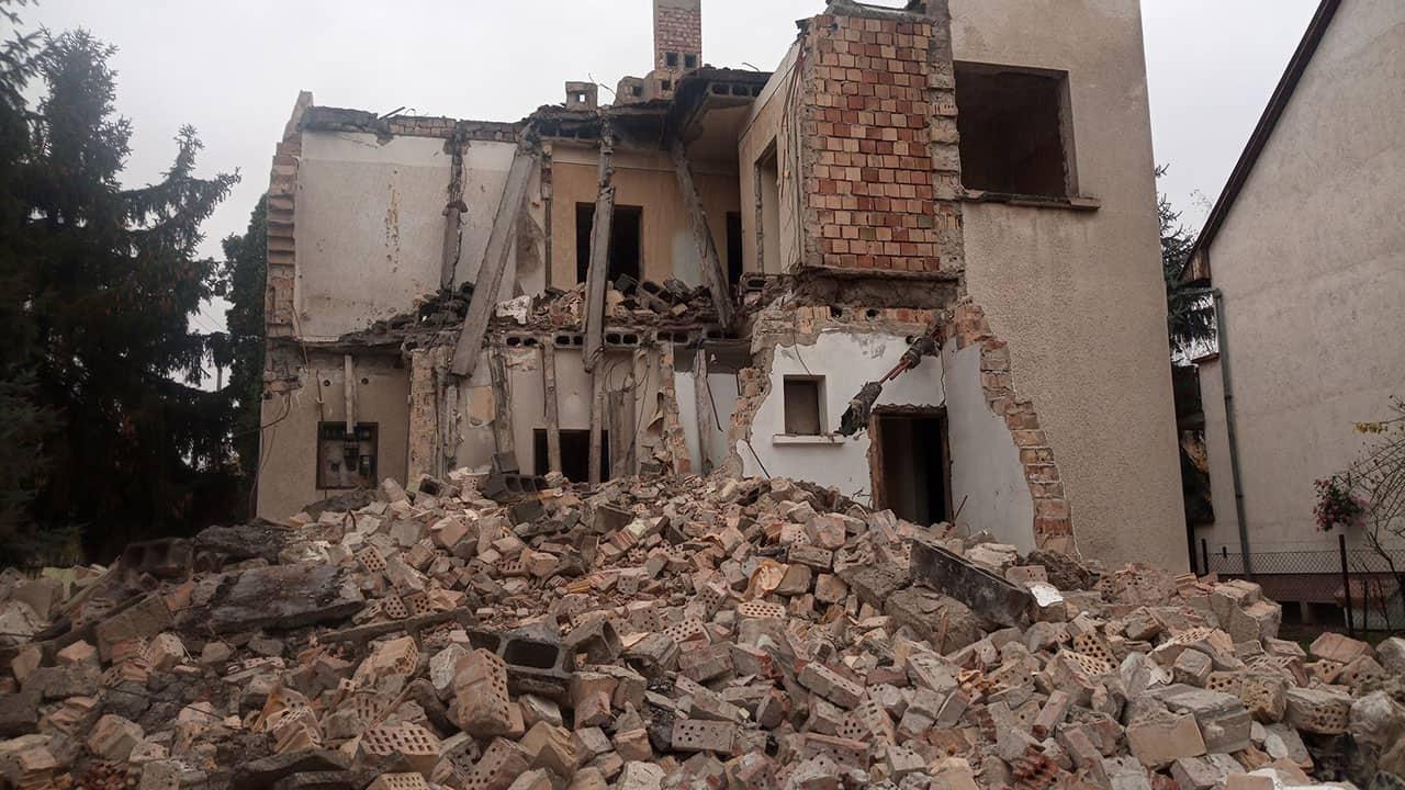 Épületbontás, családi ház bontás