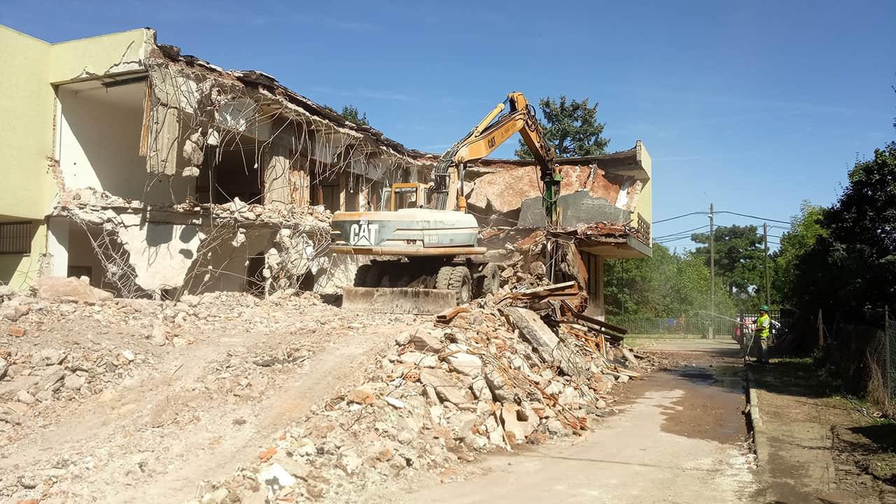 épületbontás
