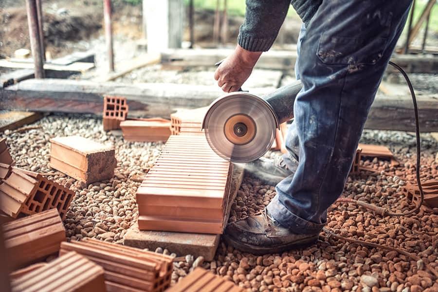 A ház bontása már zajlik – mi lesz az építési törmelékekkel?