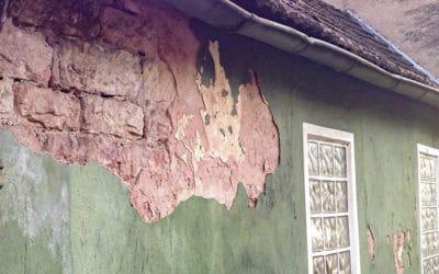 Vettem egy telket egy régi ingatlannal – a házbontás borítékolható?
